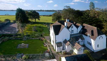 UK waterside home for sale: Bosham, Chichester, West Sussex - a4417a